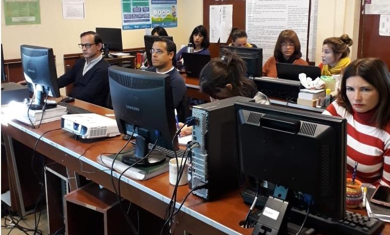 Técnico de GeoSPlan dicta curso de Introducción a los SIG